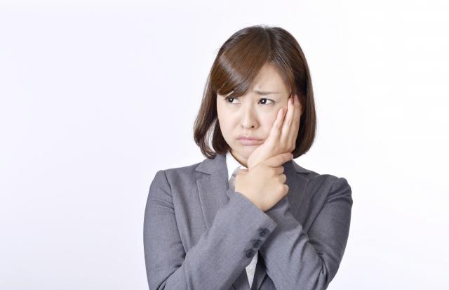 顎の小さな違和感、それは「顎関節症」かもしれません